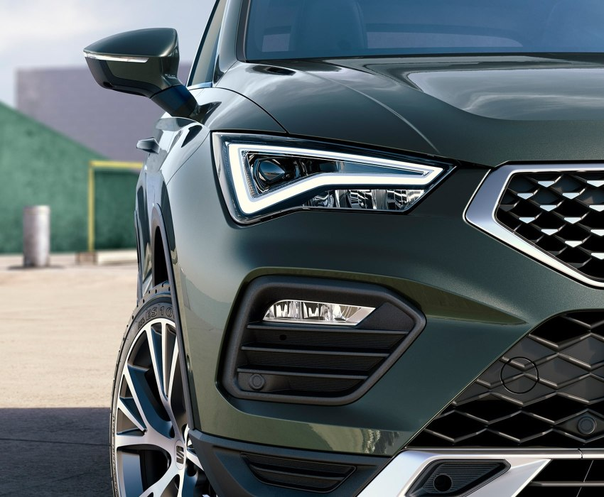 SEAT Ateca SUV exterior image close up view of front light