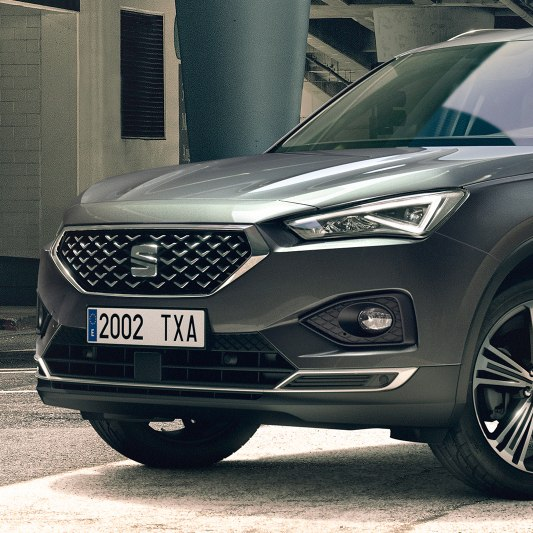 New SEAT Tarraco SUV 7 seater design front grille detail